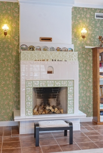 tile-fireplace-shutterstock_536678077