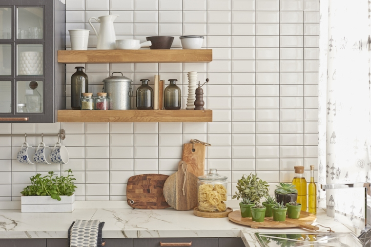tile-kitchen-wall-shutterstock_461350198